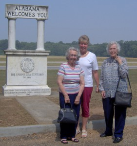 Sue Spencer, Pam Spencer, & Laura Young  on the way to 2008 homecoming.