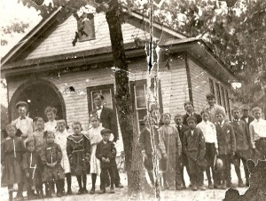 Flatwoods School students dated 1913